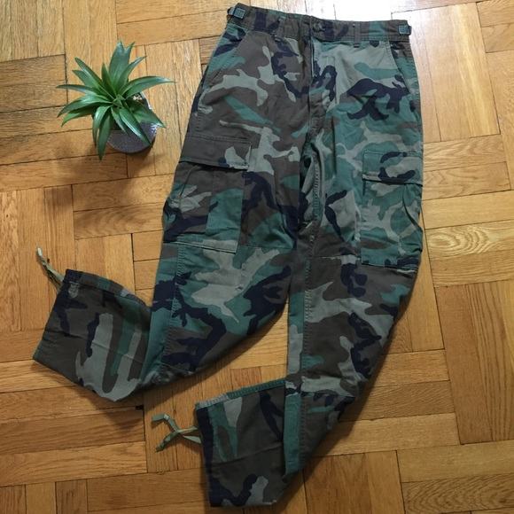 Authentic Army • woodland camo cargo pants. M 5aa1a5b2a4c485d832a74fbc d0b479799c8